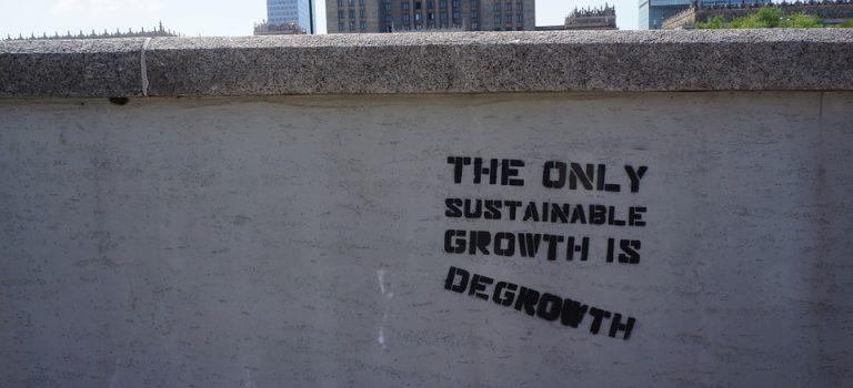 decroissance economique slogan